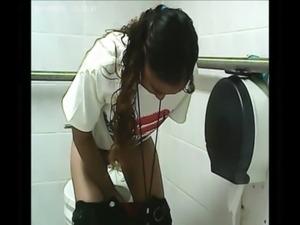 toilet pissing - amateur voyeur free