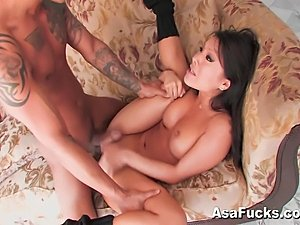 Asian pornstar Asa Akira gives Keni Styles a strip tease before fucking his...