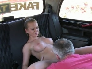 Sexy customer pounded with fraud driver for a free fare