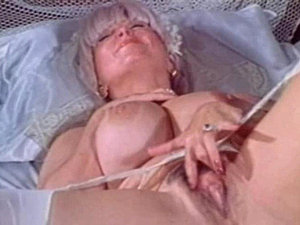 Big boob vintage babe Candy Samples masturbates before taking off her wedding...