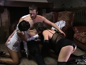 Sexy babes in heels get fingered and suck a soldier
