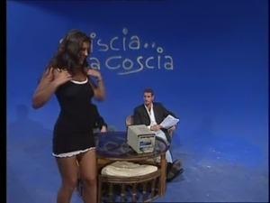 Striscia La Coscia - Italian porn part 2 of 2 - Desir