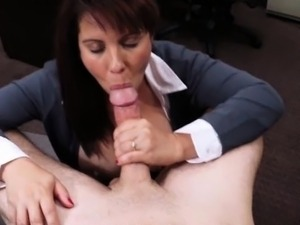 Huge tits milf pawns her pussy and screwed at the pawnshop