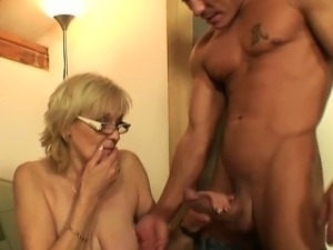 He fucks porn-loving mother-in-law