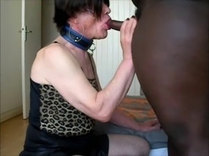 Lara tranny swallows big cumload