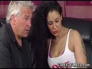 Horny casting agent looking for girls on the streets to fuck free