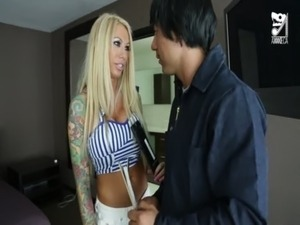Mexican cable guy fucks big titted horny girl!!! Lolly Ink free