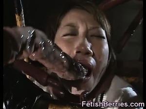 Poor Schoolgirl Fucked by Tentacles!
