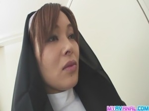 Hot orgy acition with smokin Hitomi free