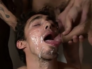 Hot twink scene Keith Hunter hunts for peckers and