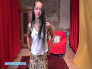 Sexy 18yo gypsy does blowjob and gets pussy fingering free