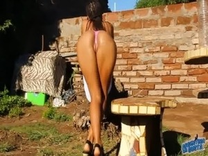 Amazing Ass n Tits n Legs Teen in Thong, Playing With Water free