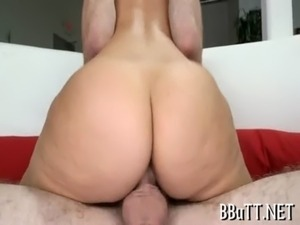 Round assed girlie nailed free