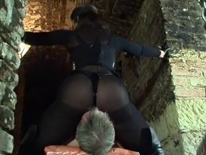 Hot Mistress facesits Her victim