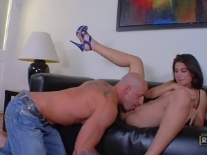 Alluring brunette Allie Jordan gives blowjob to hot man with