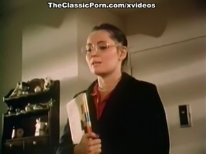 How to seduce professor in classic porn movie free