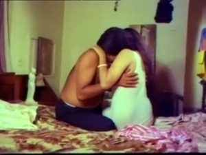 Omanikkan Oru Sisiram (Uncensored) free