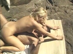 fantasy attacked on the beach spanish uncensored free