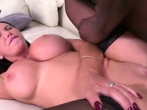 Fat ass brunette sucks and interracial bangs