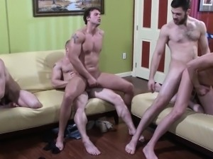 Muscular gay studs cum during kinky key party