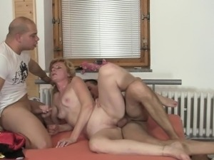 deep throat foot worship lesbians