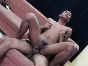 Asian Twinks Kris and Javey Fuck Bareback
