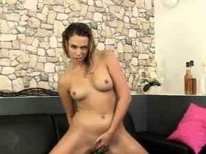 Glamorous girl is peeing and pleasuring shaved quim