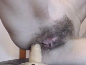Girl play with hairy holes