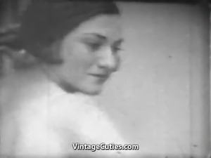 Babes Beat Each other with Whips (1920s Vintage)