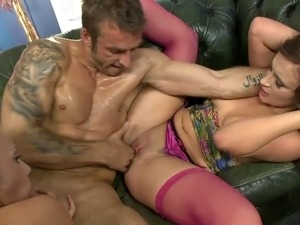 Brunette rides guy's tool while blonde sits on his face