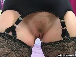 Scottish milf Toni Lace and English milf Lulu need it bad