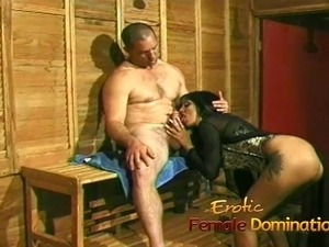 Lusty bimbo uses a giant sex toy on her mans tight asshole