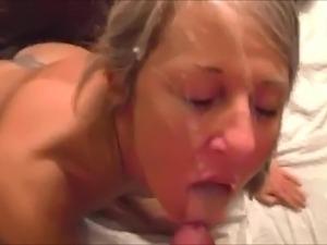 Amateur Housewife Cum Shower