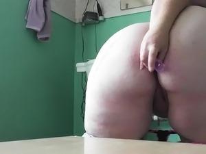BBW plays with new anal plug