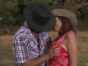 Sexy cowboy babe and her great outdoors anal penetration