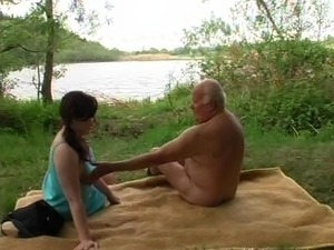 Grandpa Mireck - a fuck in the forest
