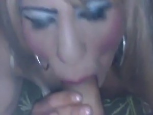Tranny takes a cum in mouth