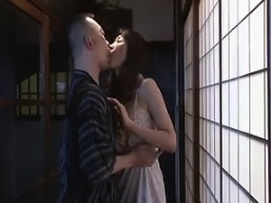 Slender Japanese wife seduces a guy to take care of her sex