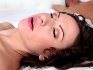 Chicks wake up their sleeping roommate and have a threesome with him