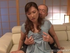 Pretty Japanese cougar with a nice ass getting her hairy pussy licked