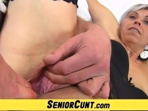 Gorgeous czech ma'am Beate pussy opening games