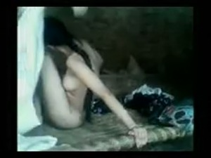 Slim sexy girl from Pakistan is screwed missionary style in amateur sex video