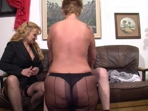 Stocking-clad granny with glasses enjoying a mind-blowing threesome
