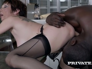Sex hungry nympho Catalya Mia gets herself a big black cock