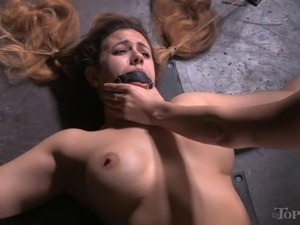 Horny mistress decides to give her new slave a good vaginal fisting