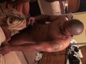 Slutwife is shared fucked and facialized