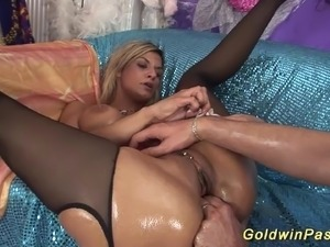 Hot babe enjoys her first extreme deepthroat and massive fisting lesson