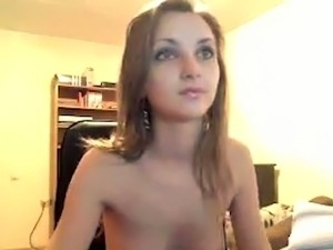 Cute skinny chick flashing her titties and ass in amateur clip
