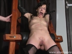 Enslaved painslut Elise Graves whipping in hard bdsm punishm