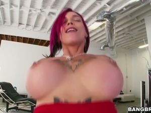 Inked bawdy hoe Anna Bell Peaks fucked deep in her vagina
